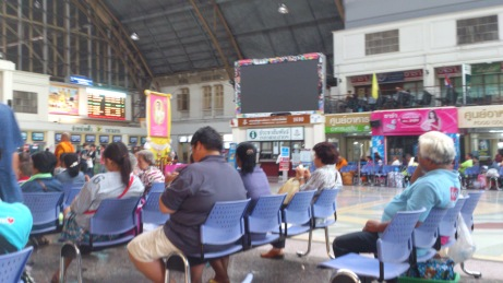Waiting area of Hua Lamphong